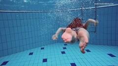 naughty Liza Bubarek babe in the pool Thumb